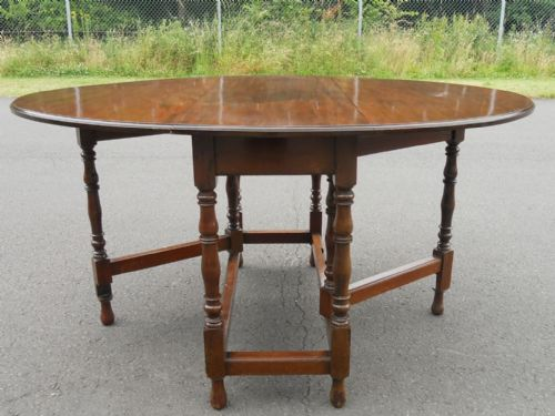 Mahogany Oval Gateleg Dining Table